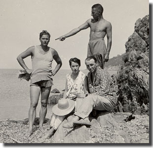 With Aldington, Patmore, and Frere at Le Lavandou